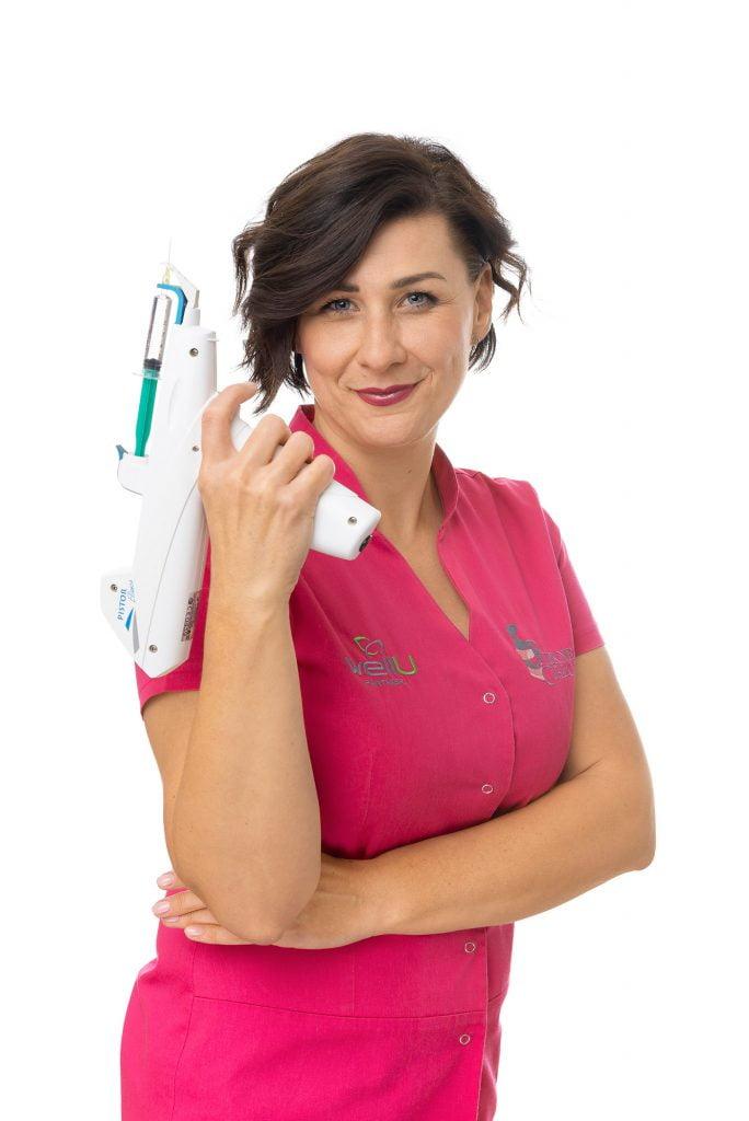 Ania Pistolet SPC 9257 WEB 684x1024 Mezoterapia igłowa cała twarz, szyja i dekolt